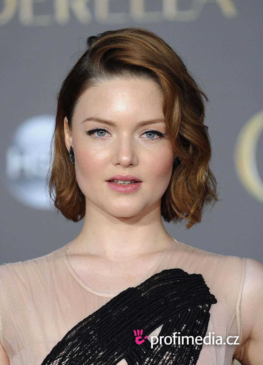 Prom hairstyle - Holliday Grainger - Holliday Grainger
