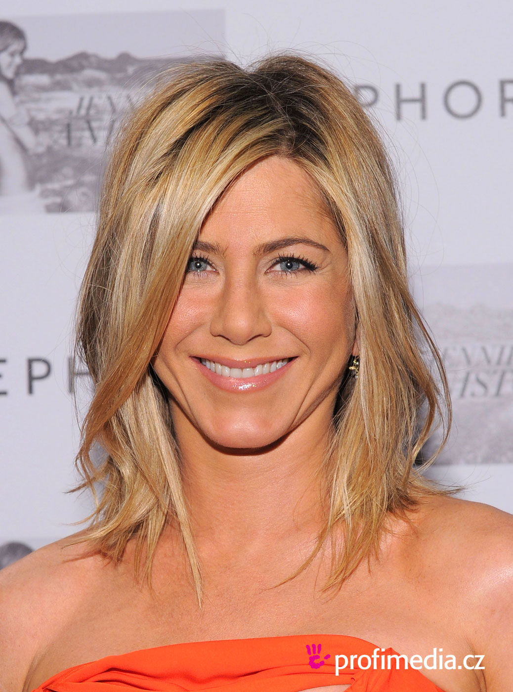 Jennifer aniston coiffure happyhair - Coiffure jennifer aniston ...
