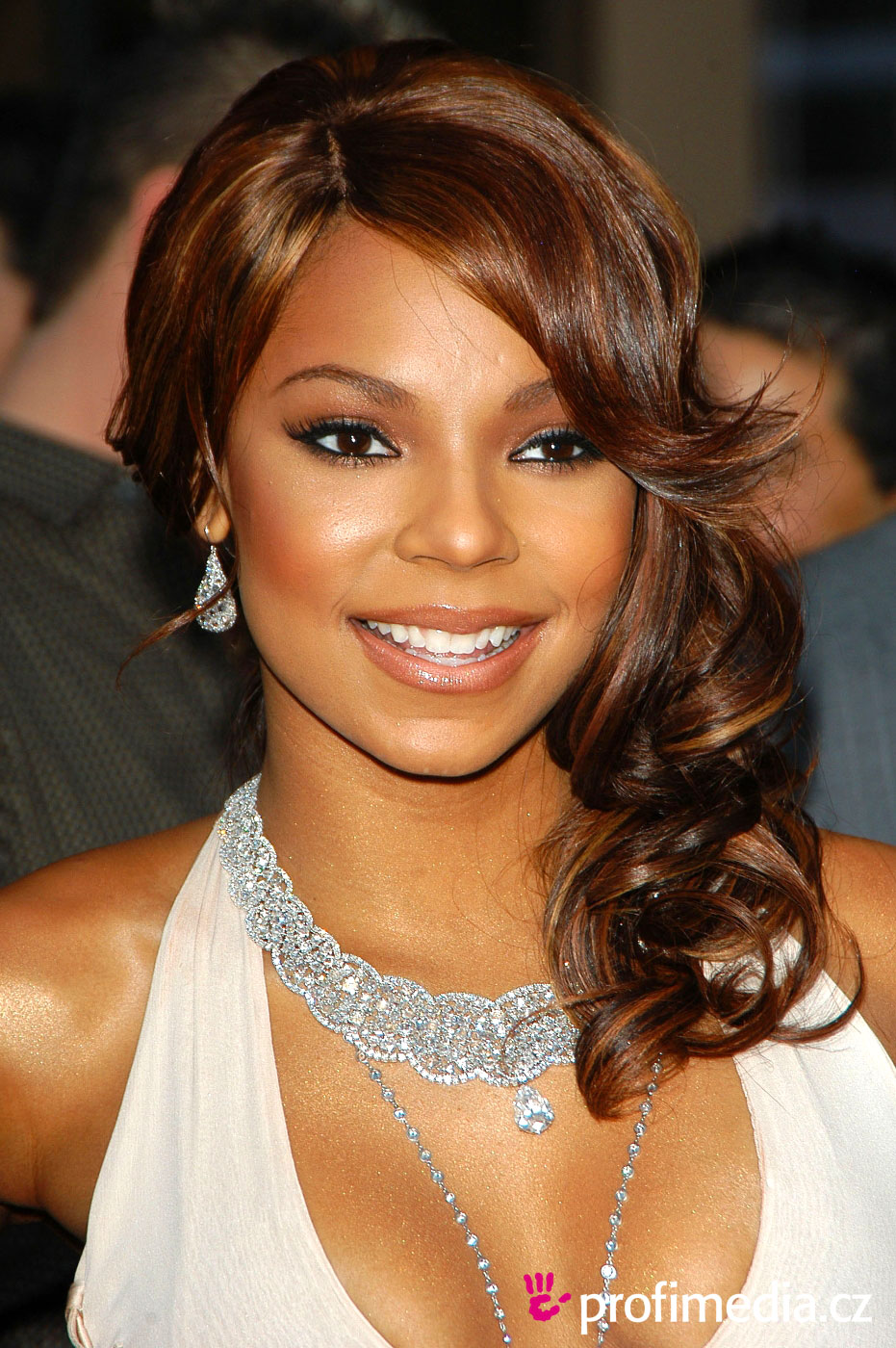 Ashanti - Wallpaper Hot