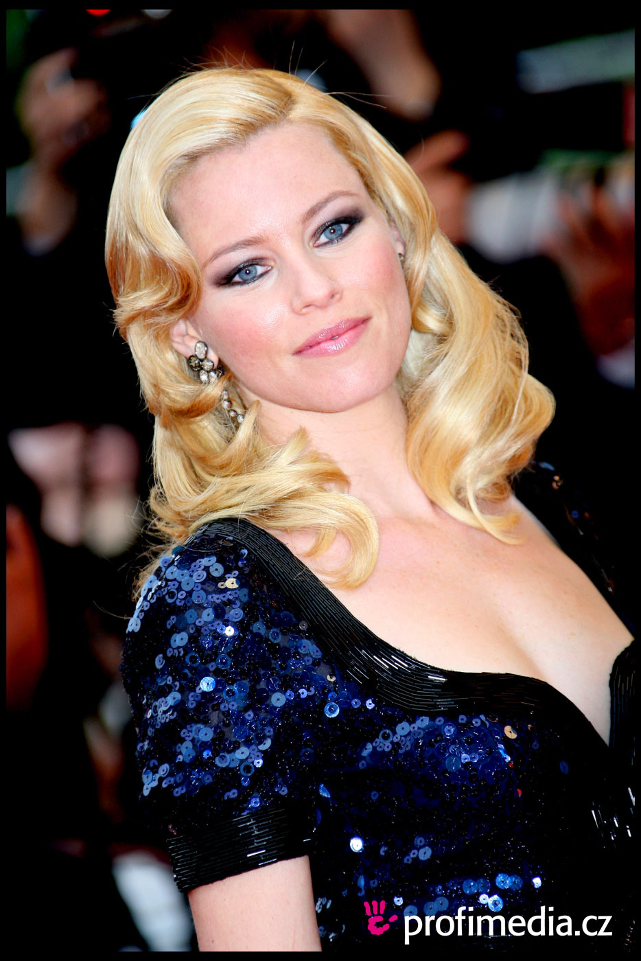 Elizabeth Banks Haircut Elizabeth Banks Enlarge