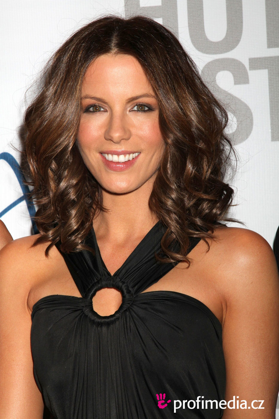 Hey Kate Beckinsale Page 4 Yellow Bullet Forums