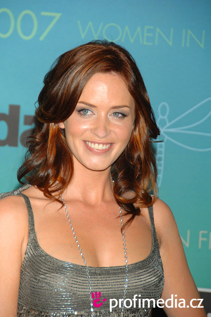 blunt hairstyle. Emily Blunt#39;s hairstyle
