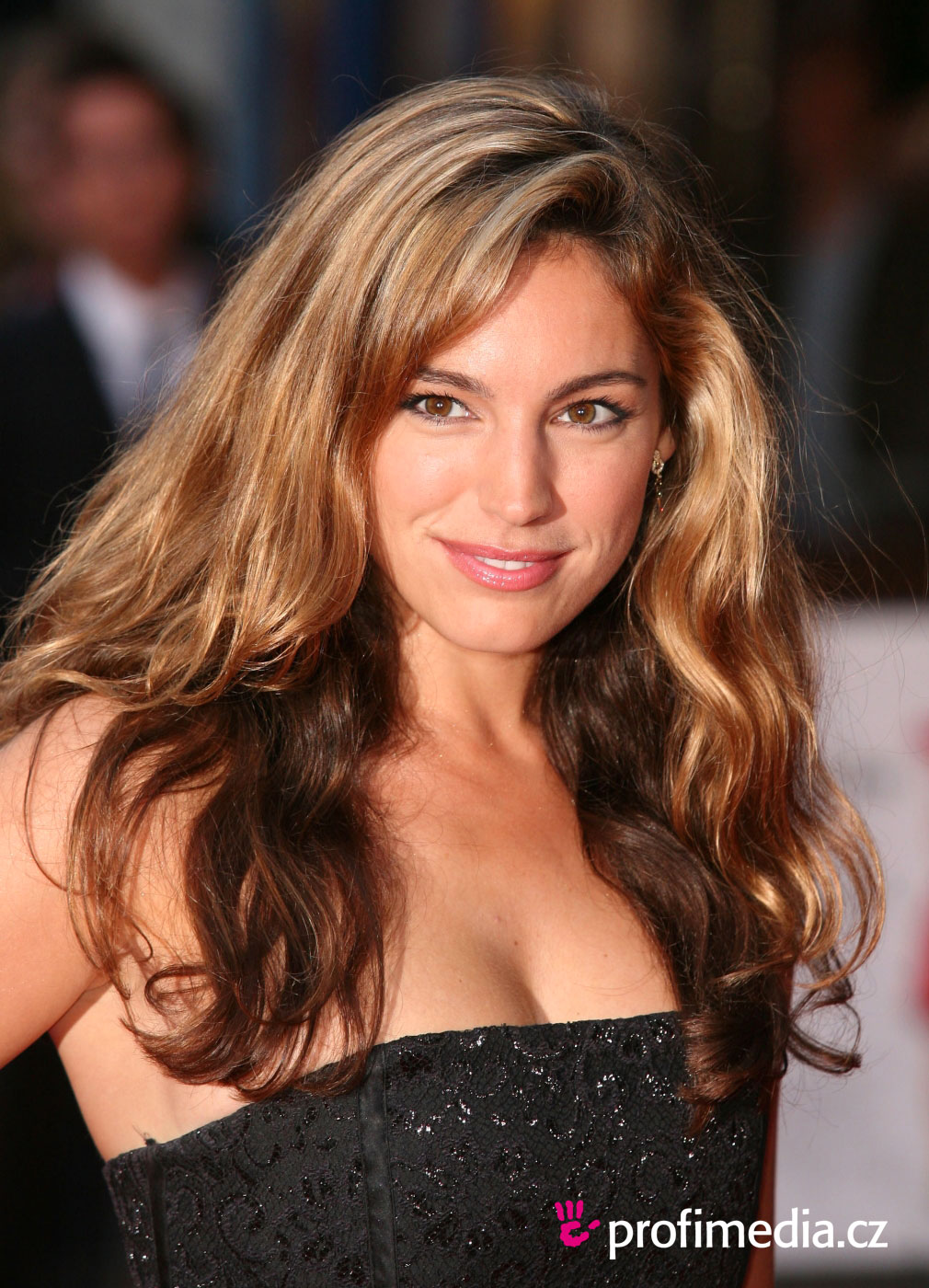 Kelly Brook Hairstyle Easyhairstyler