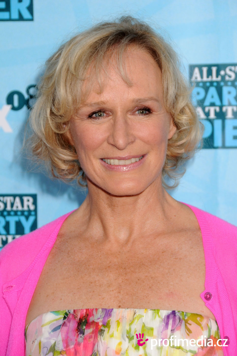 prom hairstyle - glenn close - glenn close
