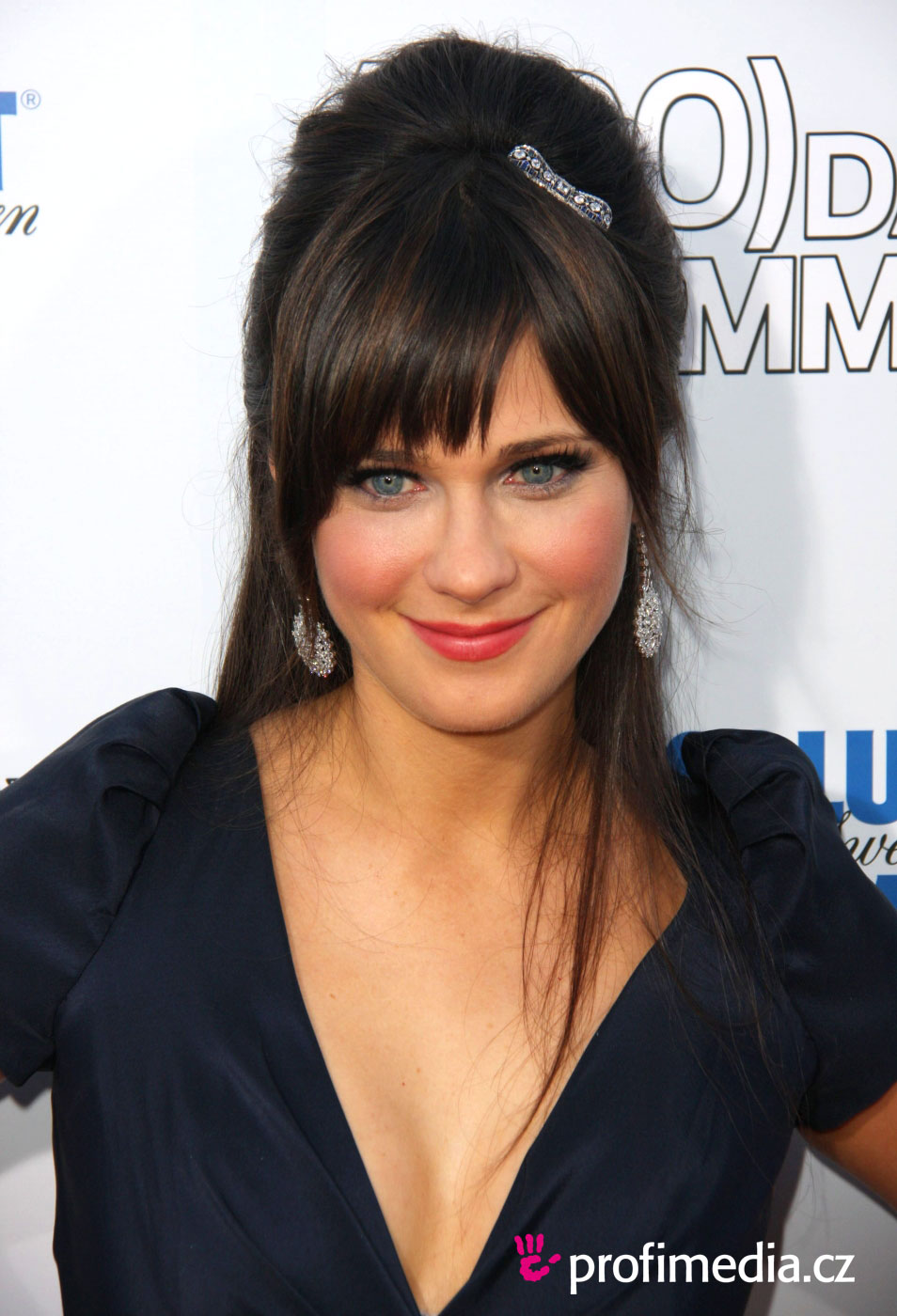 prom hairstyle - zooey deschanel - zooey deschanel