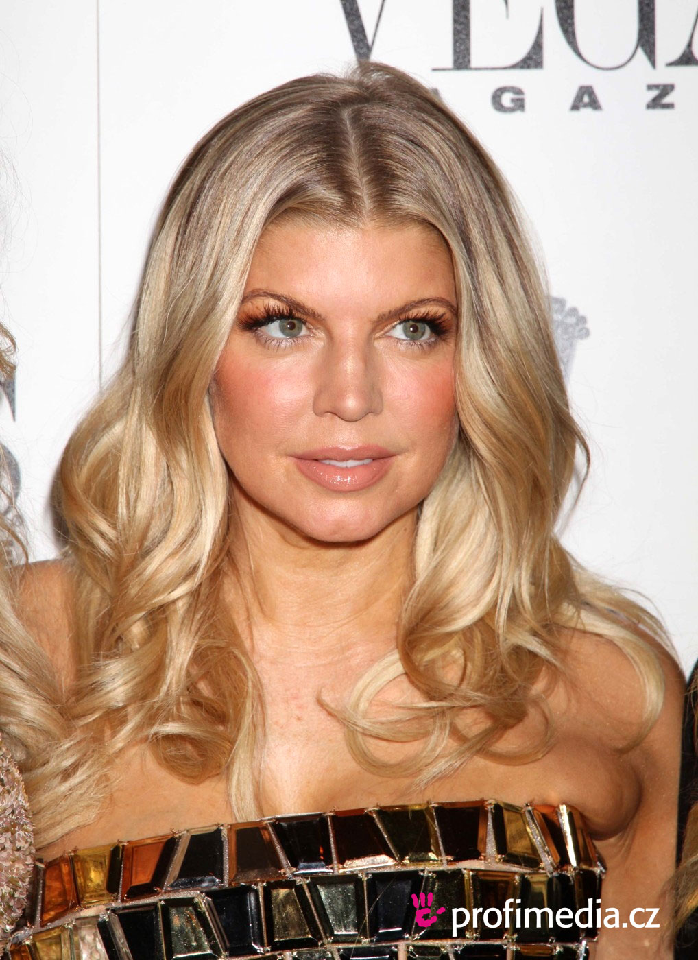 Pin Fergie Frizura On Pinterest