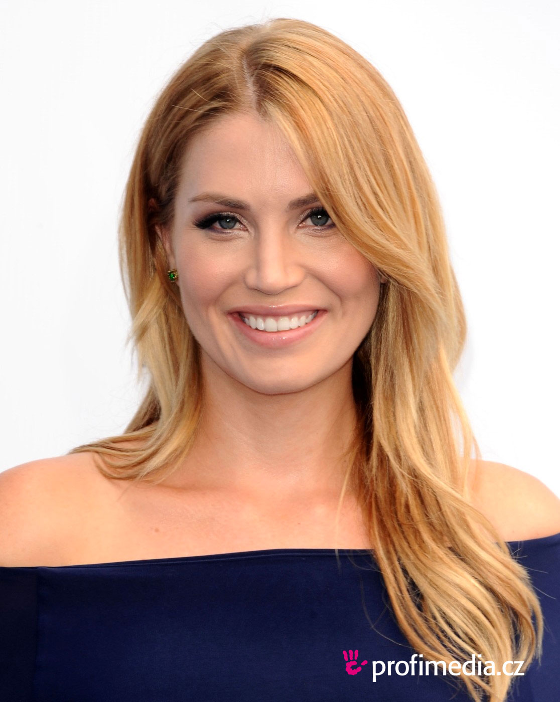 Willa Ford   hairstyle  easyHairStyler - Easy Hairstyles For Straight Hair