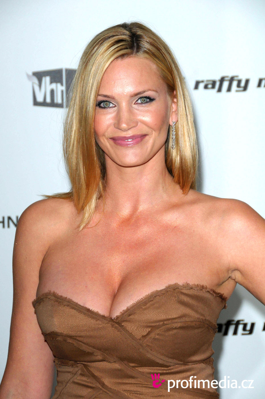 Natasha Henstridge - Wallpaper Gallery