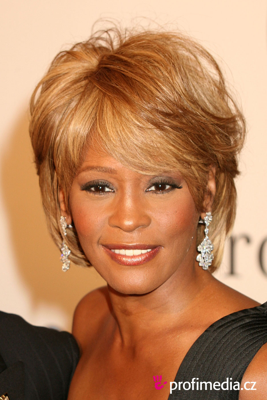 Účes celebrity - whitney houston - whitney houston