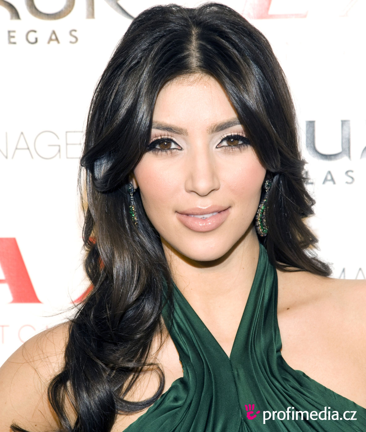 Kim Kardashian Hairstyles, Long Hairstyle 2011, Hairstyle 2011, New Long Hairstyle 2011, Celebrity Long Hairstyles 2027