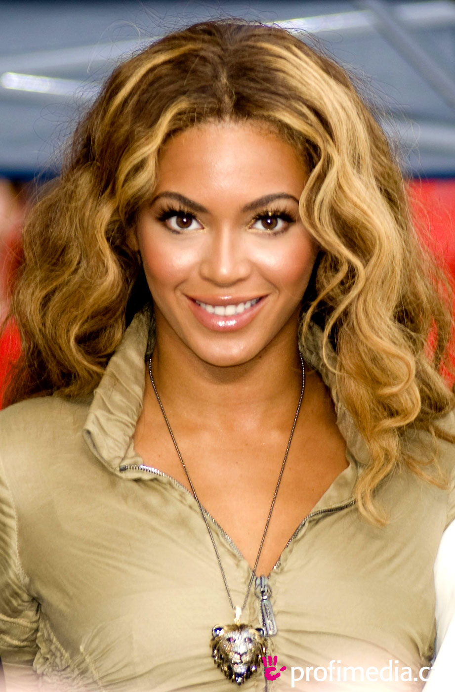 Wild hair Design Styles Cosmetics for Virgo Females Beyonce Knowles-8