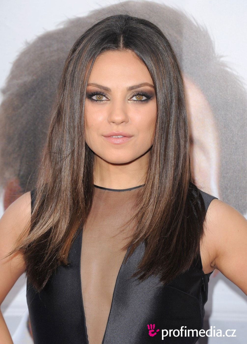mila kunis frisur zum ausprobieren in efrisuren. Black Bedroom Furniture Sets. Home Design Ideas