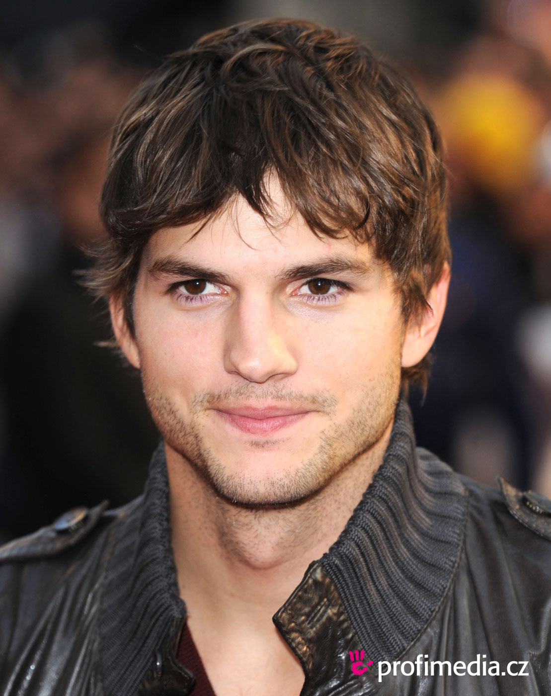 Exclusive photo gallery of asthon kutcher jhonny blogs for The ashton