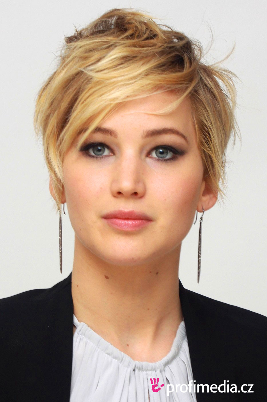 Účes celebrity - jennifer lawrence - jennifer lawrence
