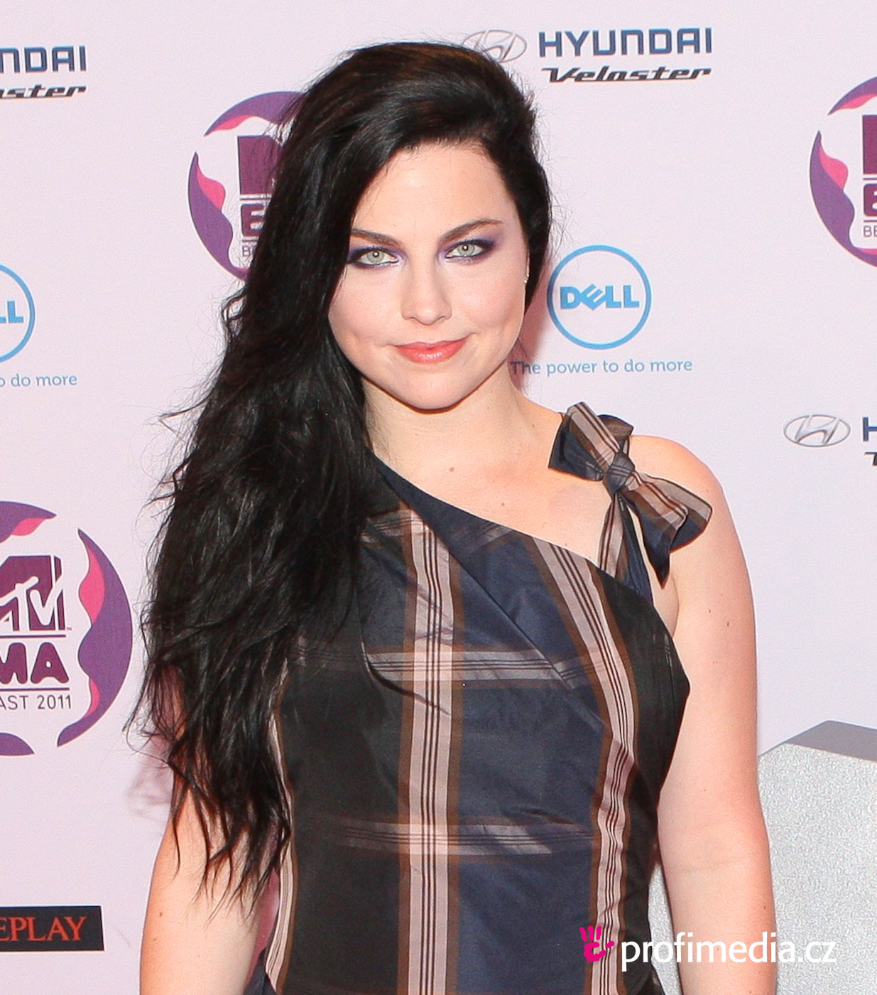 Prom hairstyle - Amy Lee - Amy Lee