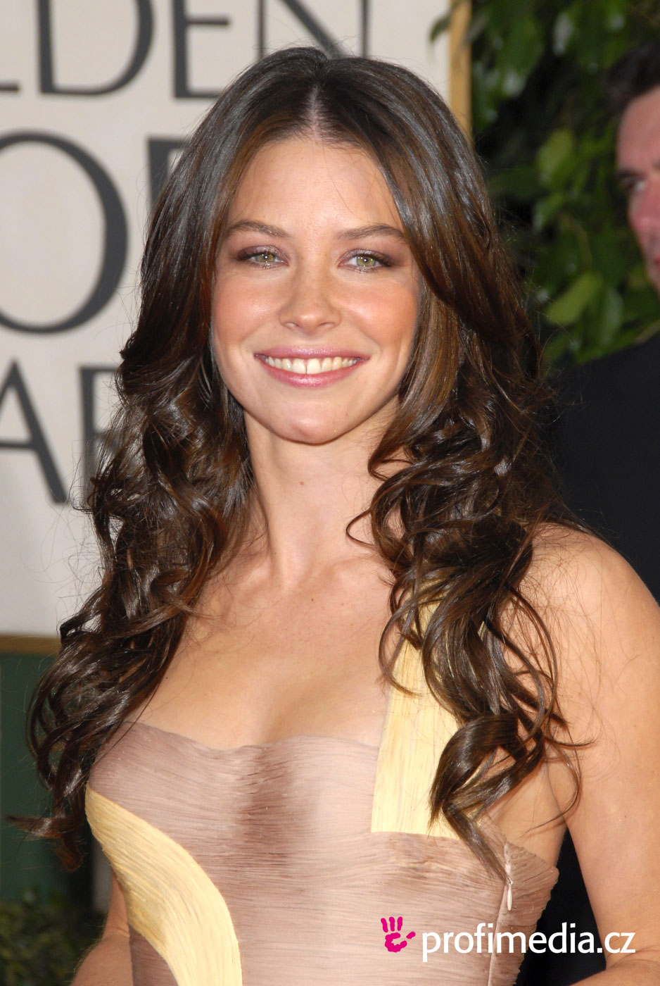 Evangeline Lilly  Agra...