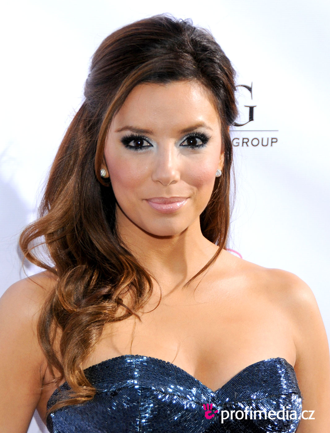eva longoria coiffure happyhair. Black Bedroom Furniture Sets. Home Design Ideas