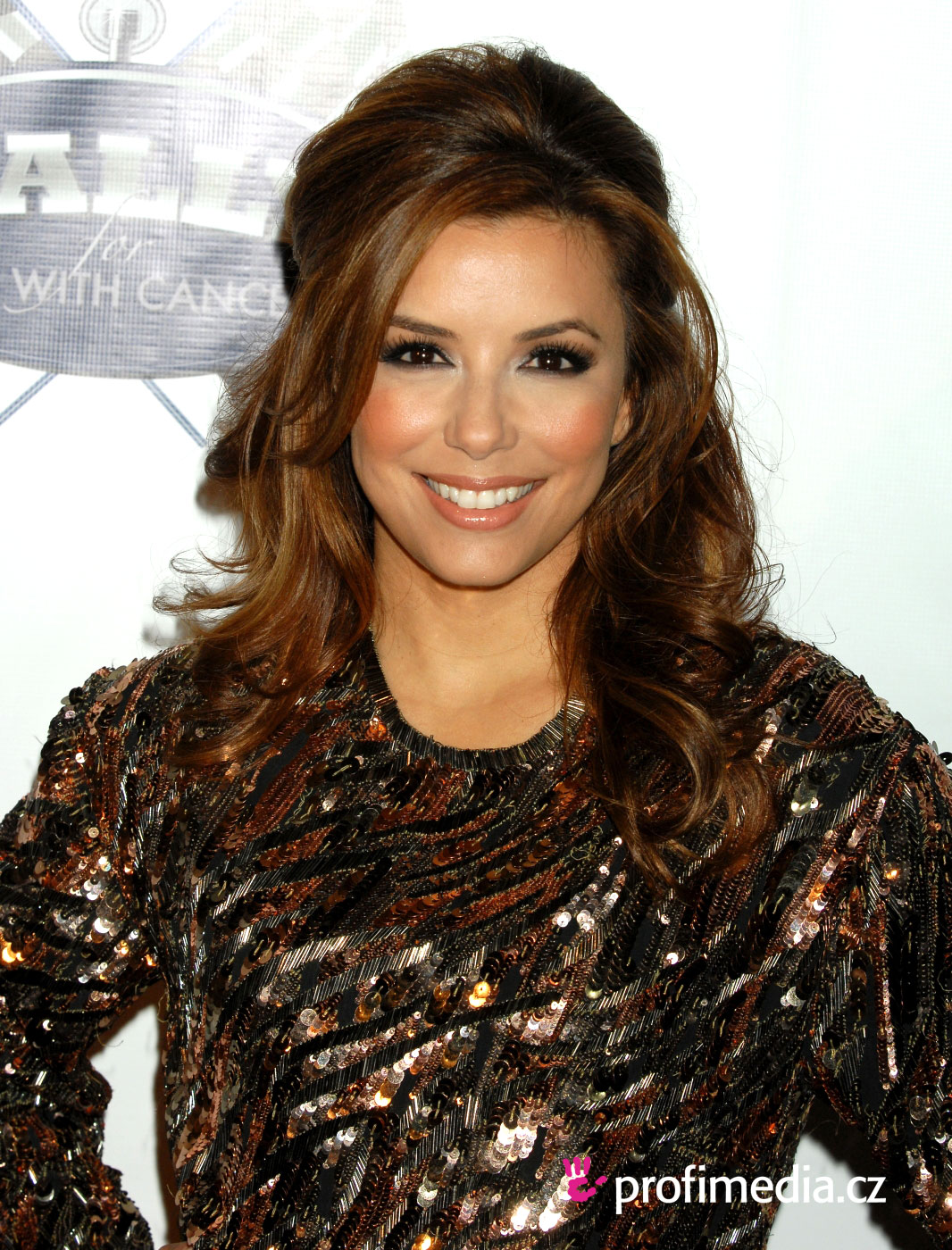 neue frisur eva longoria wie haare schneller wachsen. Black Bedroom Furniture Sets. Home Design Ideas