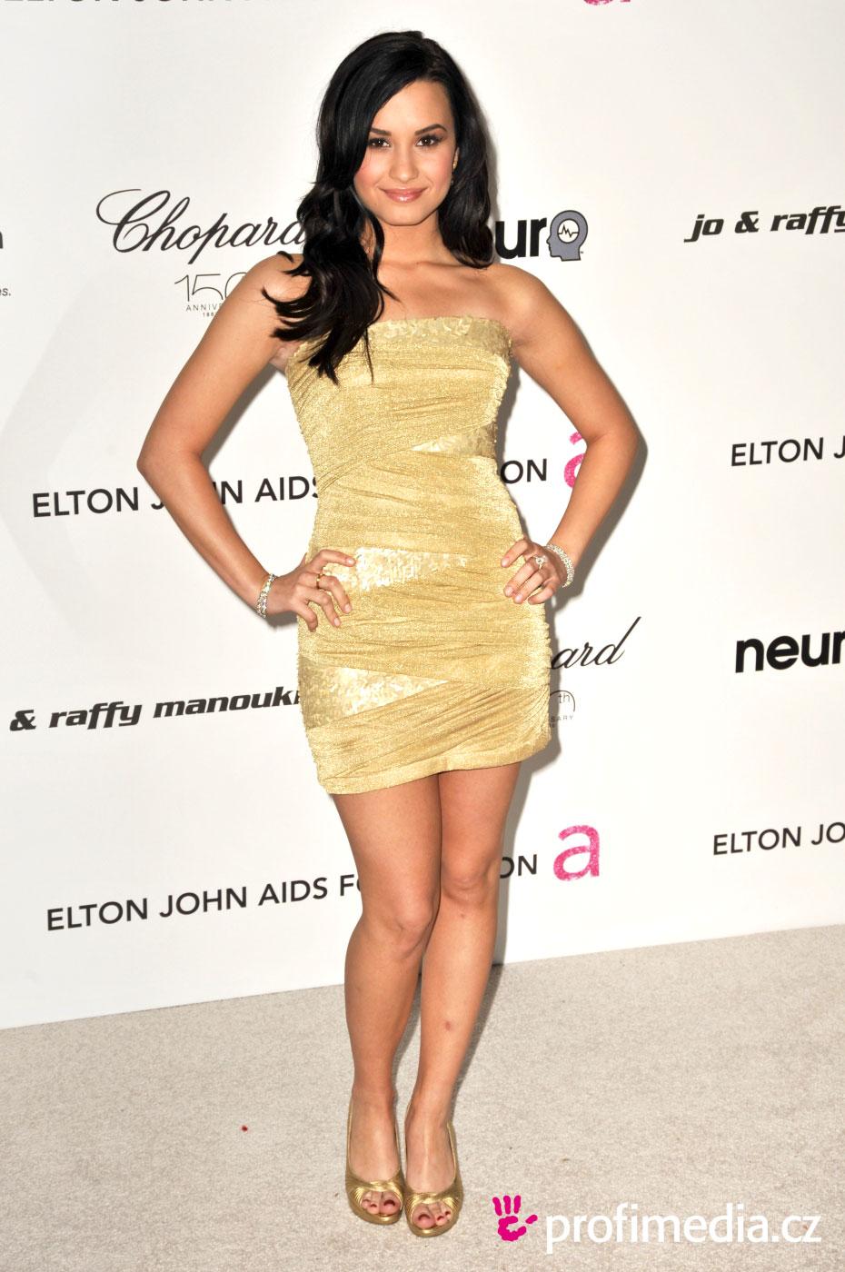 B&W Power Pantsuit from Demi Lovato's Best Looks