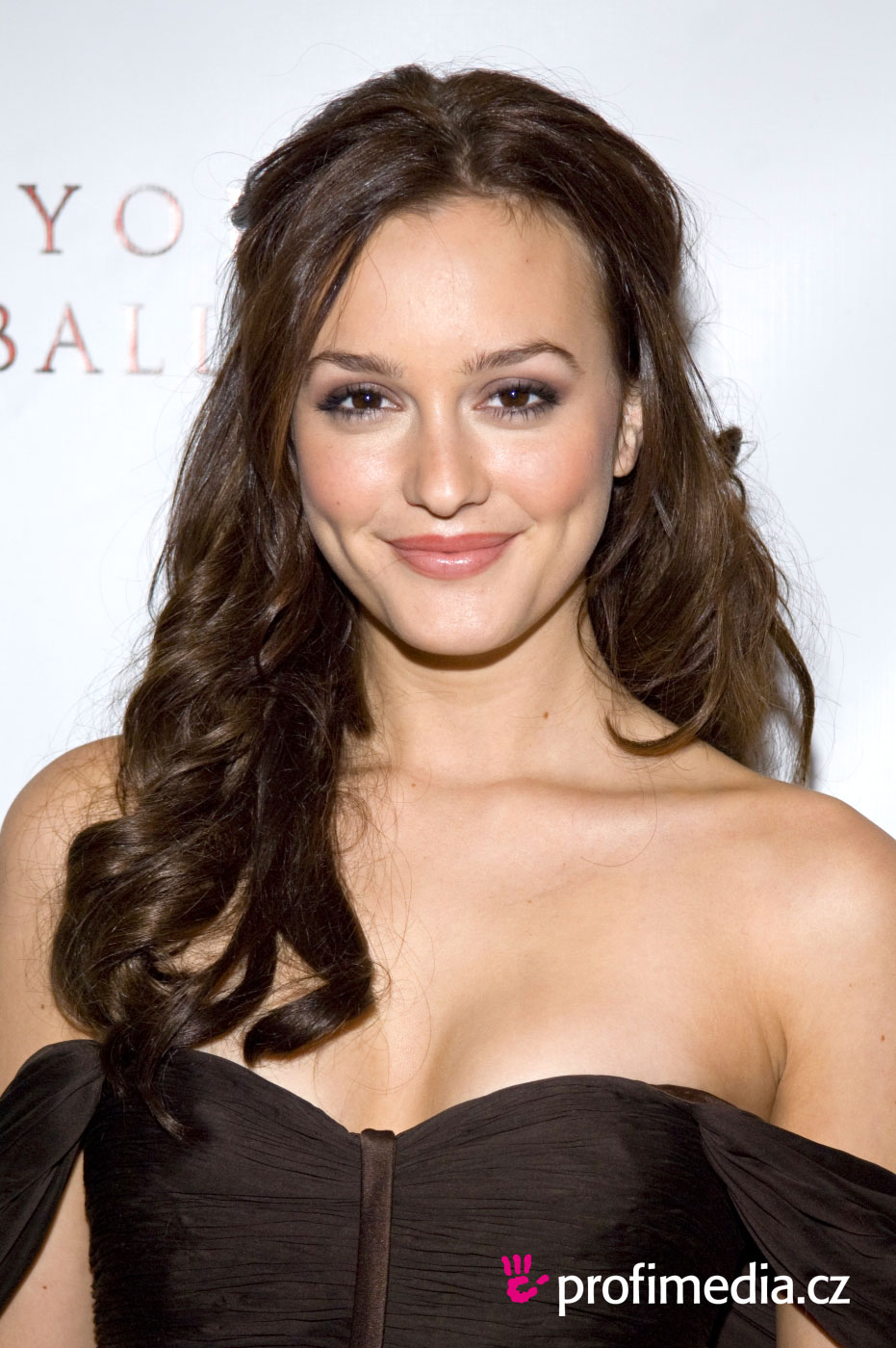 Leighton Meester Hairstyle Easyhairstyler
