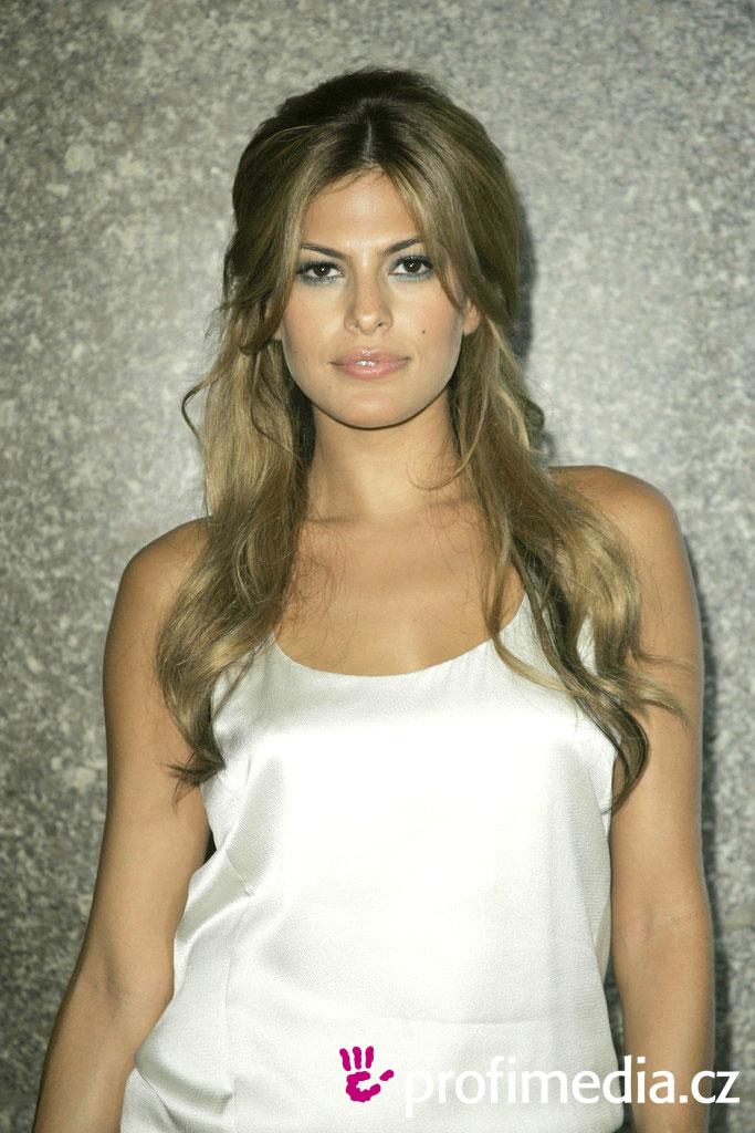 Timoraser Eva Mendes Hairstyle