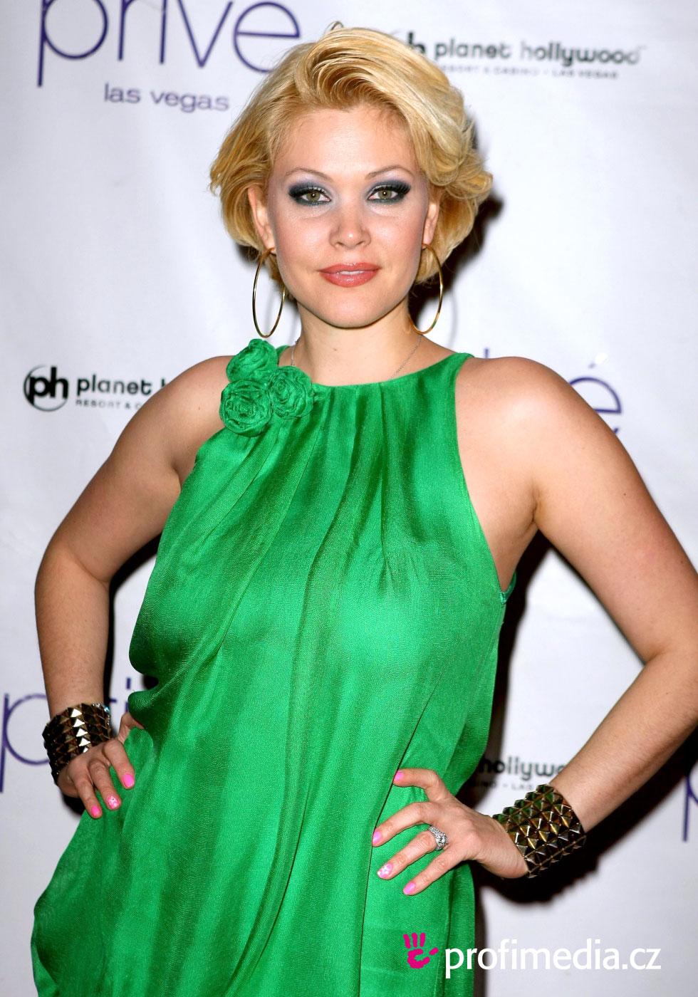 Shanna Moakler Hairstyle Easyhairstyler
