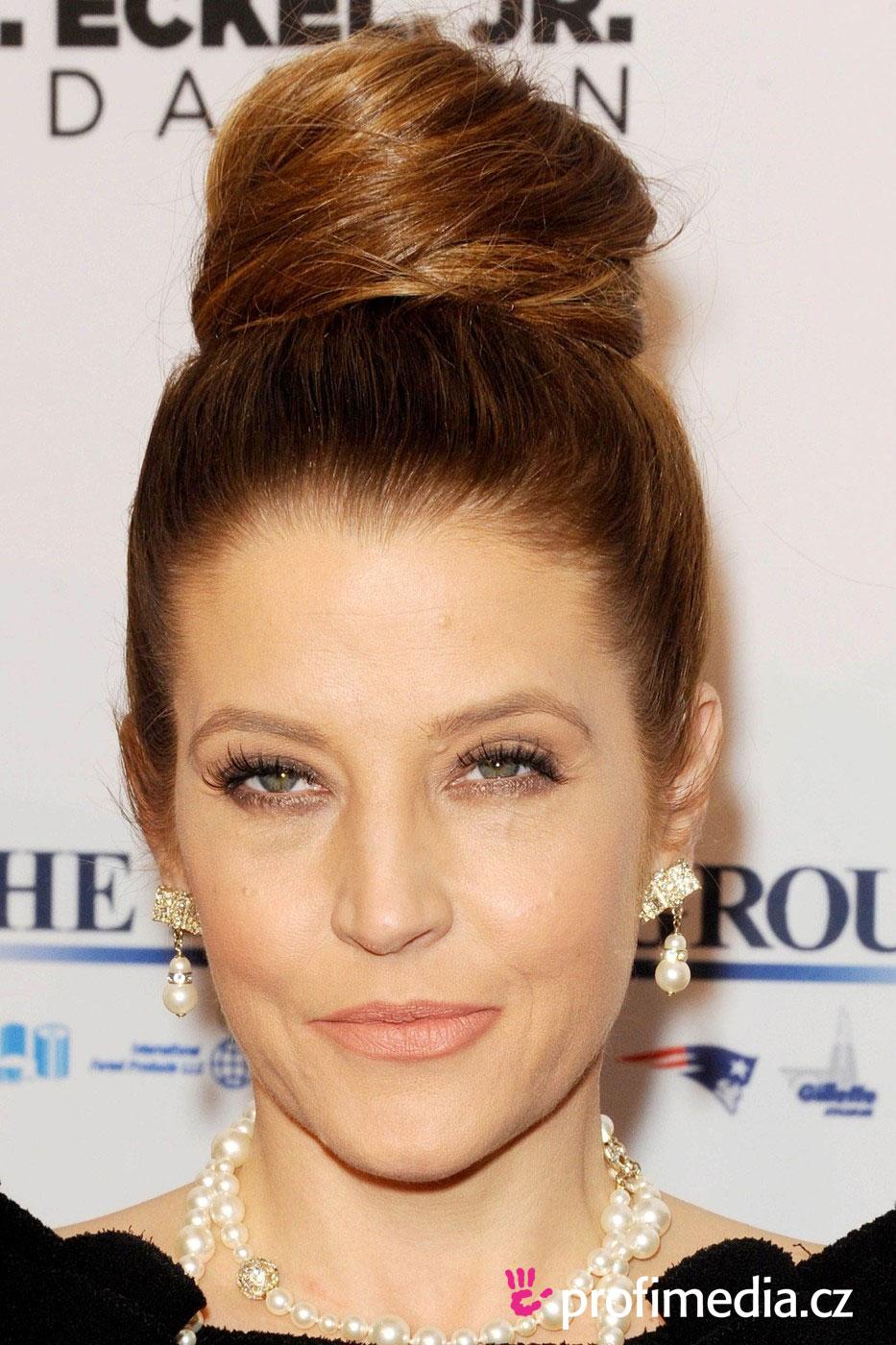 Lisa Marie Presley Hairstyle Easyhairstyler