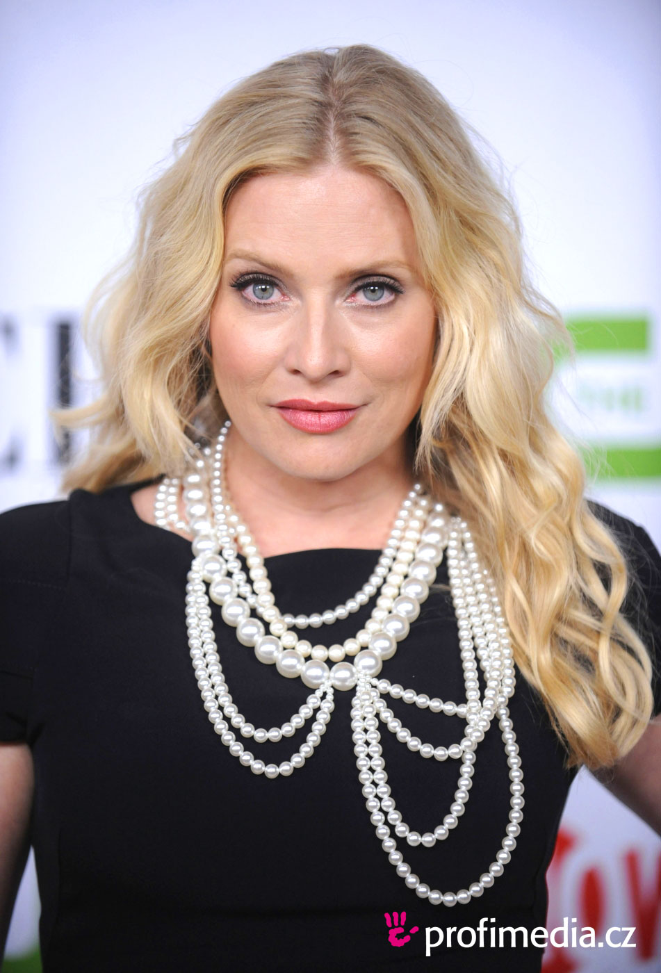Emily Procter Hairstyle Easyhairstyler