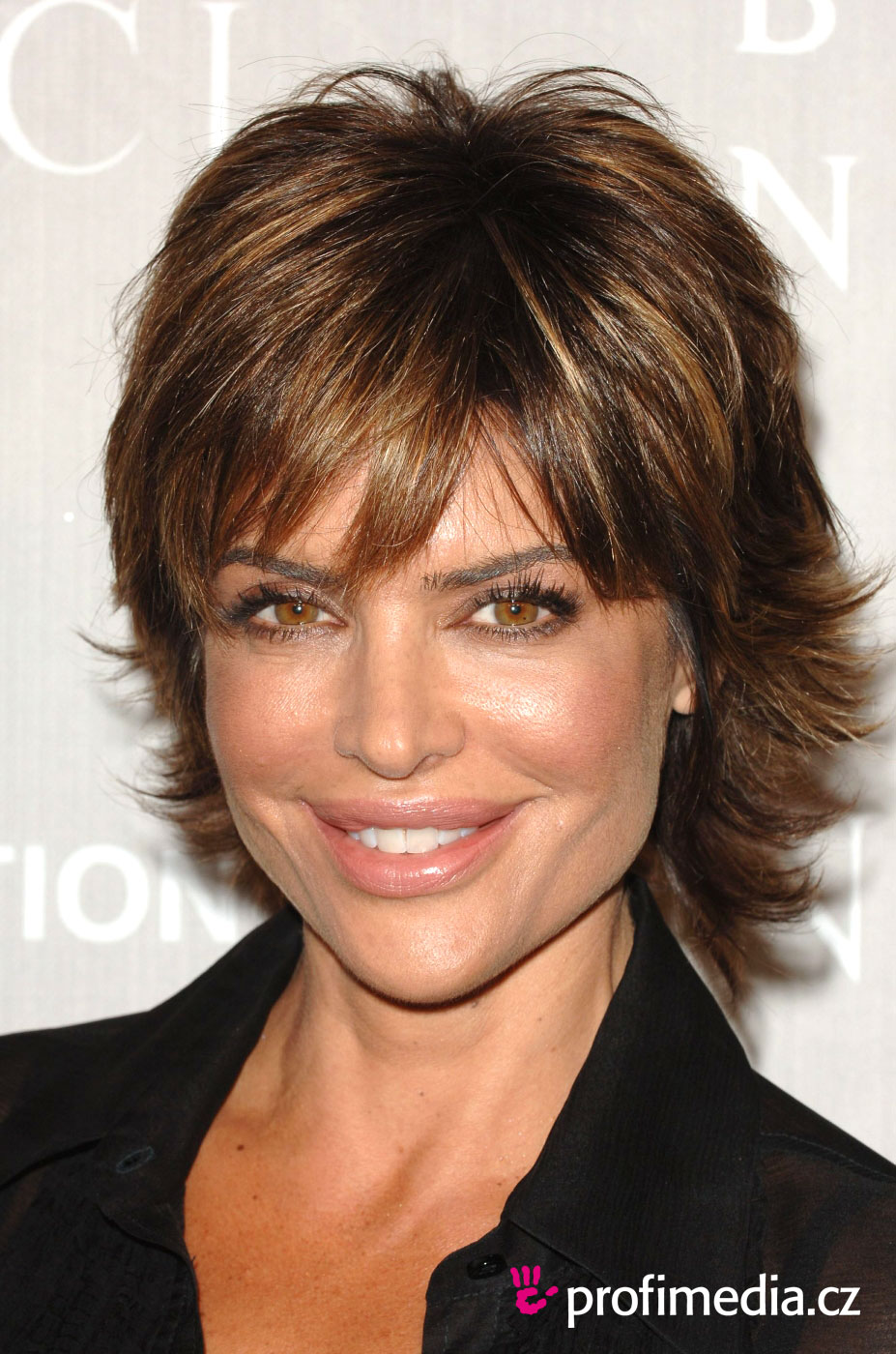 Lisa Rinna - Wallpaper