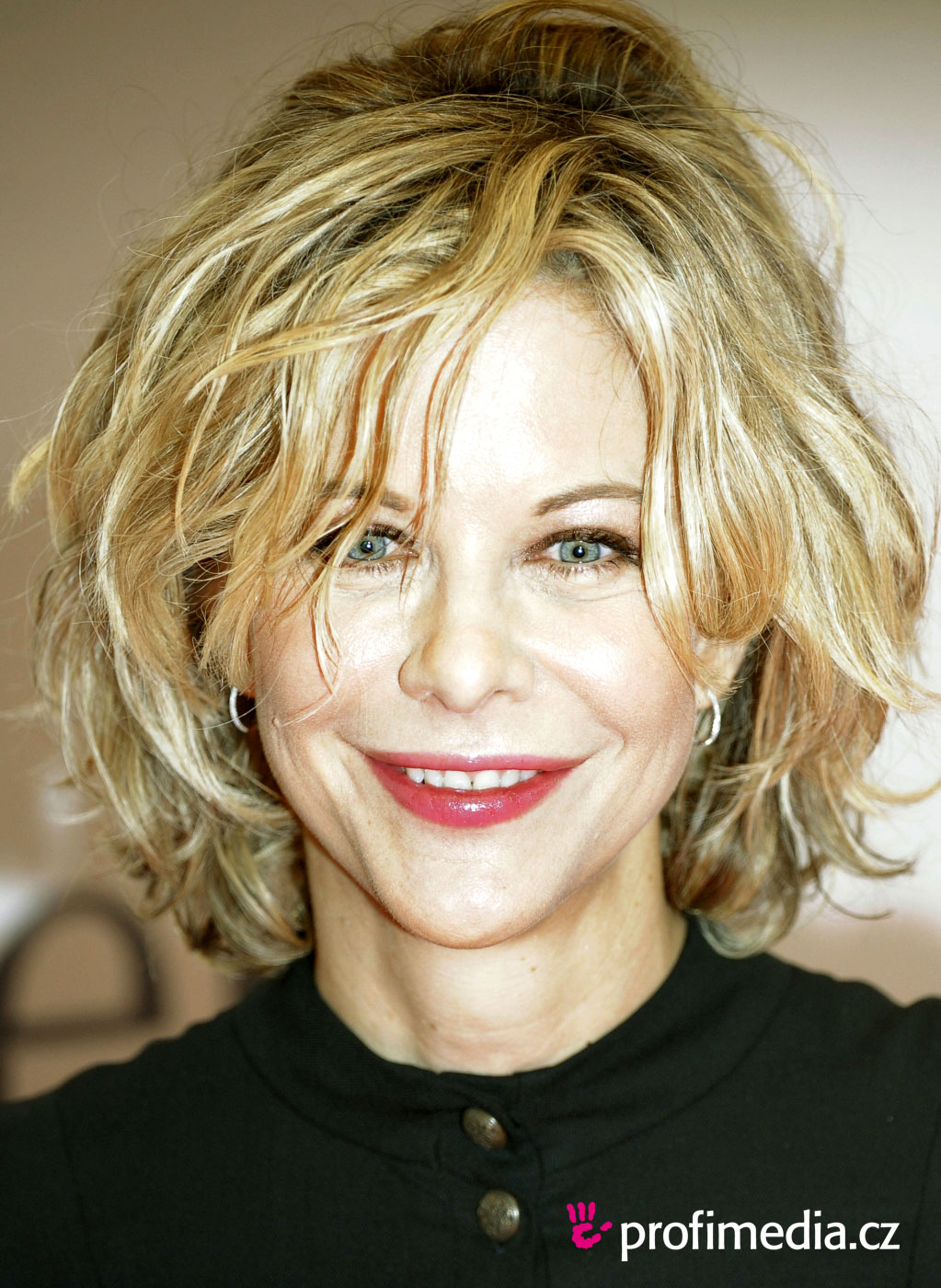 Meg ryan short curly haircut
