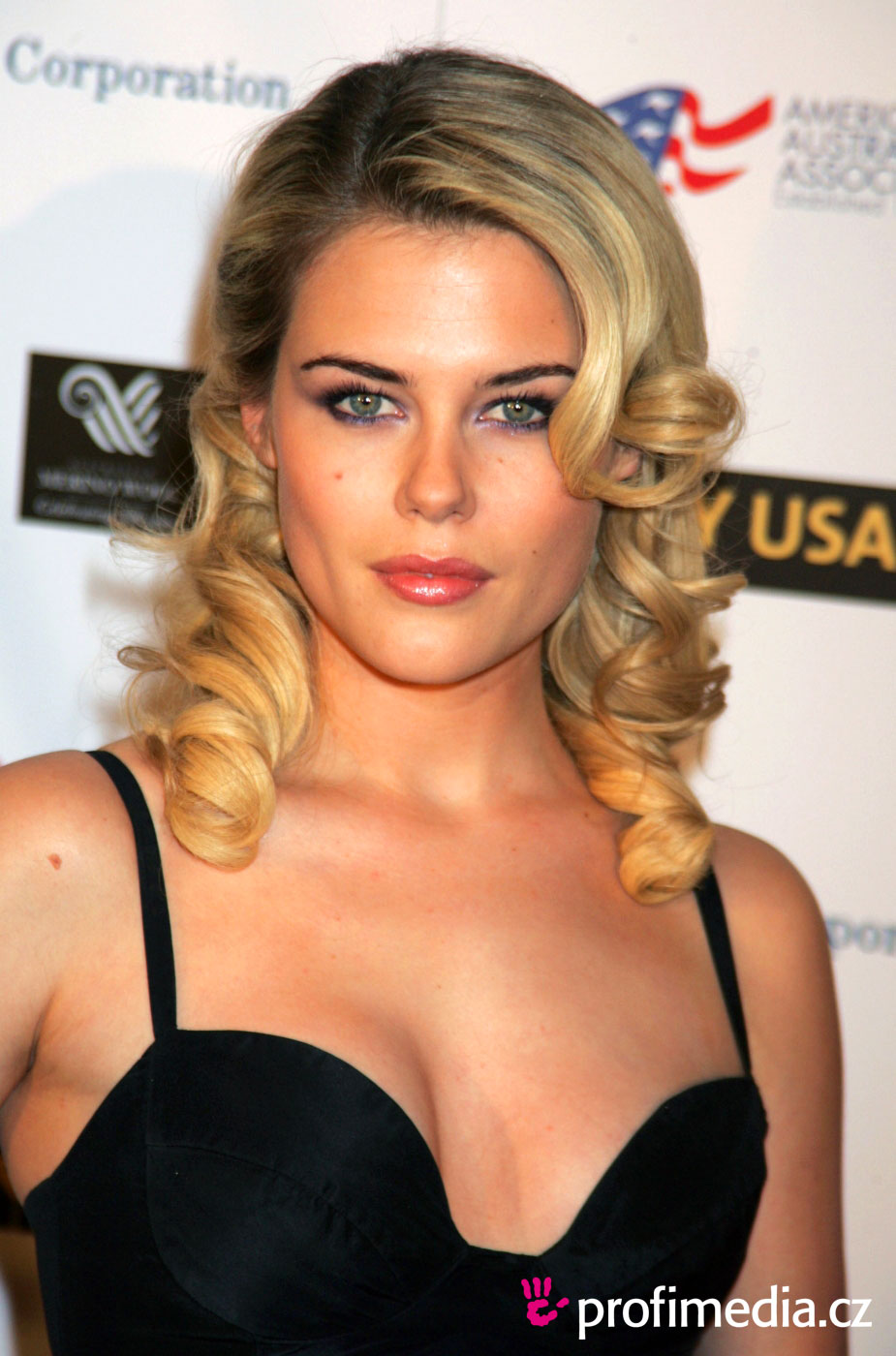 Rachael Taylor - Picture