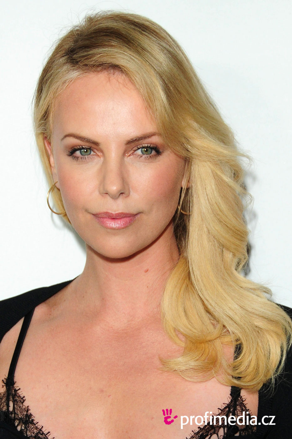 Prom hairstyle - Charlize Theron - Charlize Theron