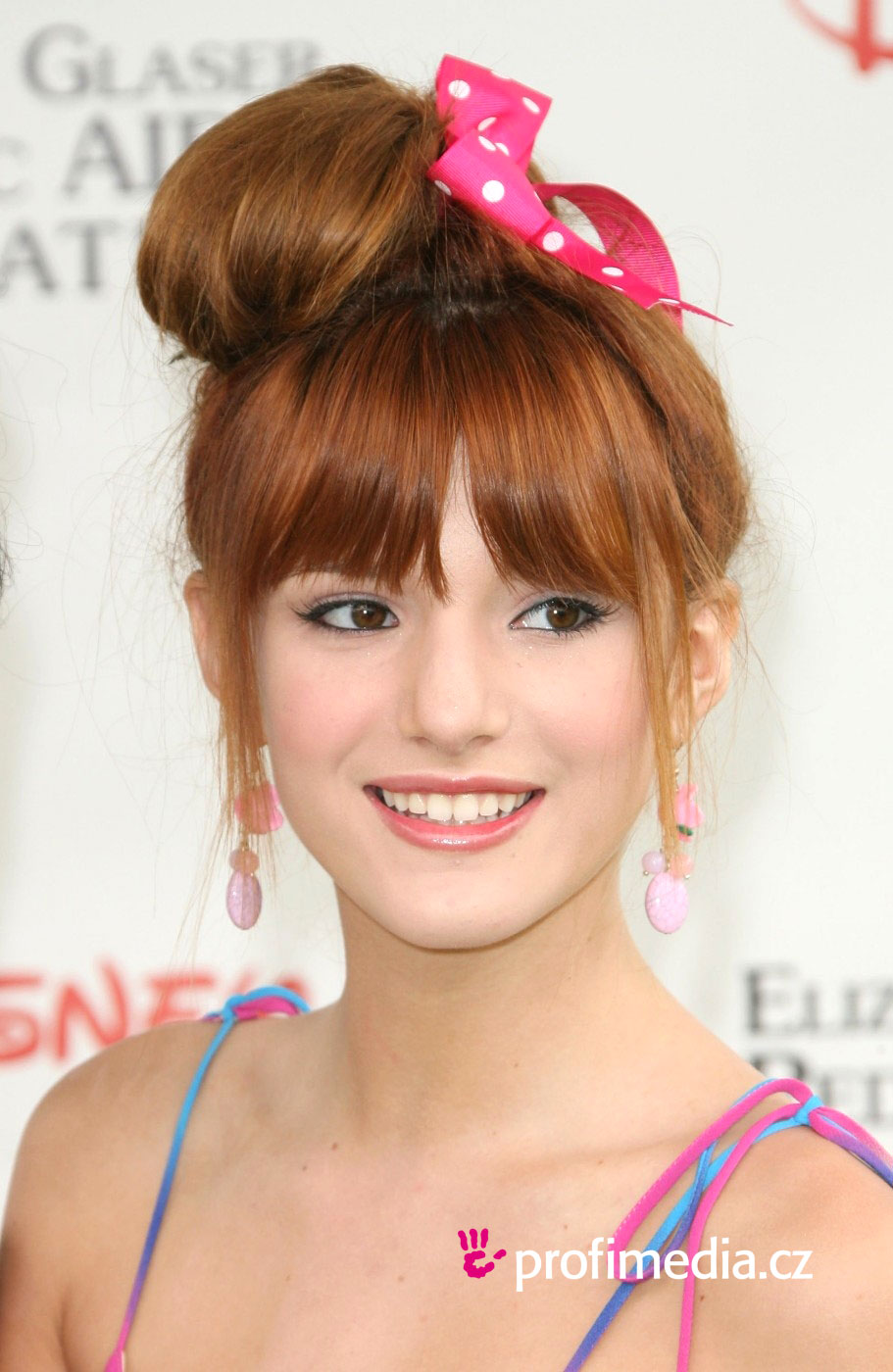 Bella Thorne - Wallpapers