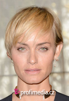 Acconciature delle star - Amber Valletta