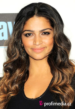 Acconciature delle star - Camila Alves