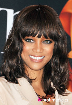 Promi-Frisuren - Tyra Banks