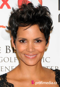 Acconciature delle star - Halle Berry