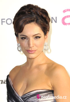 Acconciature delle star - Kelly Brook