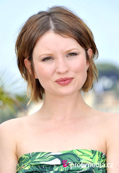 Acconciature delle star - Emily Browning