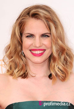 Coafurile vedetelor - Anna Chlumsky