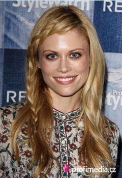 Acconciature delle star - Claire Coffee