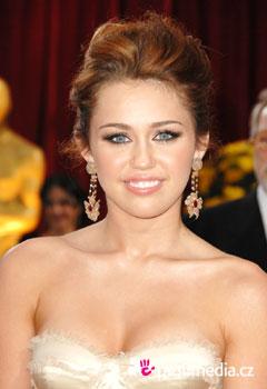 Účes celebrity - Miley Cyrus