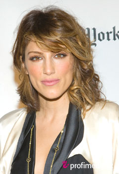 Acconciature delle star - Jennifer Esposito
