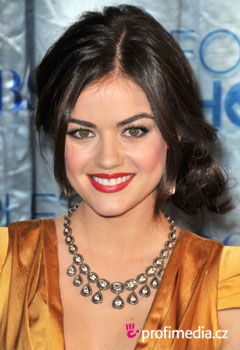 Coafurile vedetelor - Lucy Hale