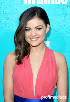Acconciature delle star - Lucy Hale