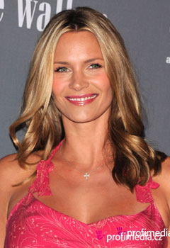 Acconciature delle star - Natasha Henstridge