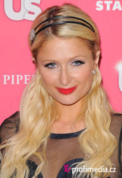 Acconciature delle star - Paris Hilton