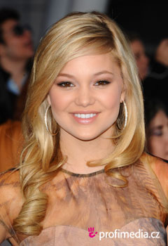 Acconciature delle star - Olivia Holt