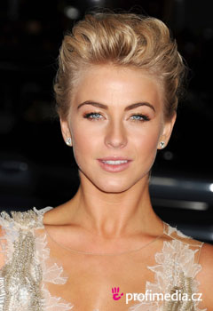 ��esy celebrit - Julianne Hough