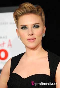 Fryzury gwiazd - Scarlett Johansson